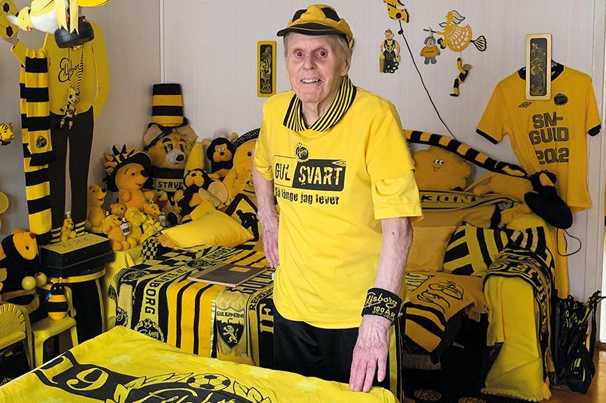 Allt i lägenheten går i svart och gult - Elfsborgs färger.