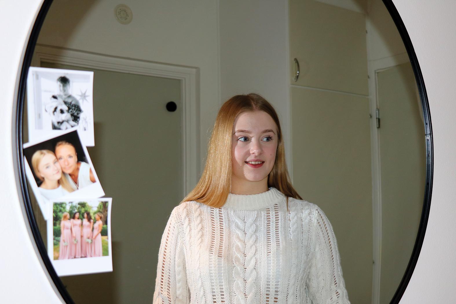 Doris Holmgren trivs i sin lägenhet.