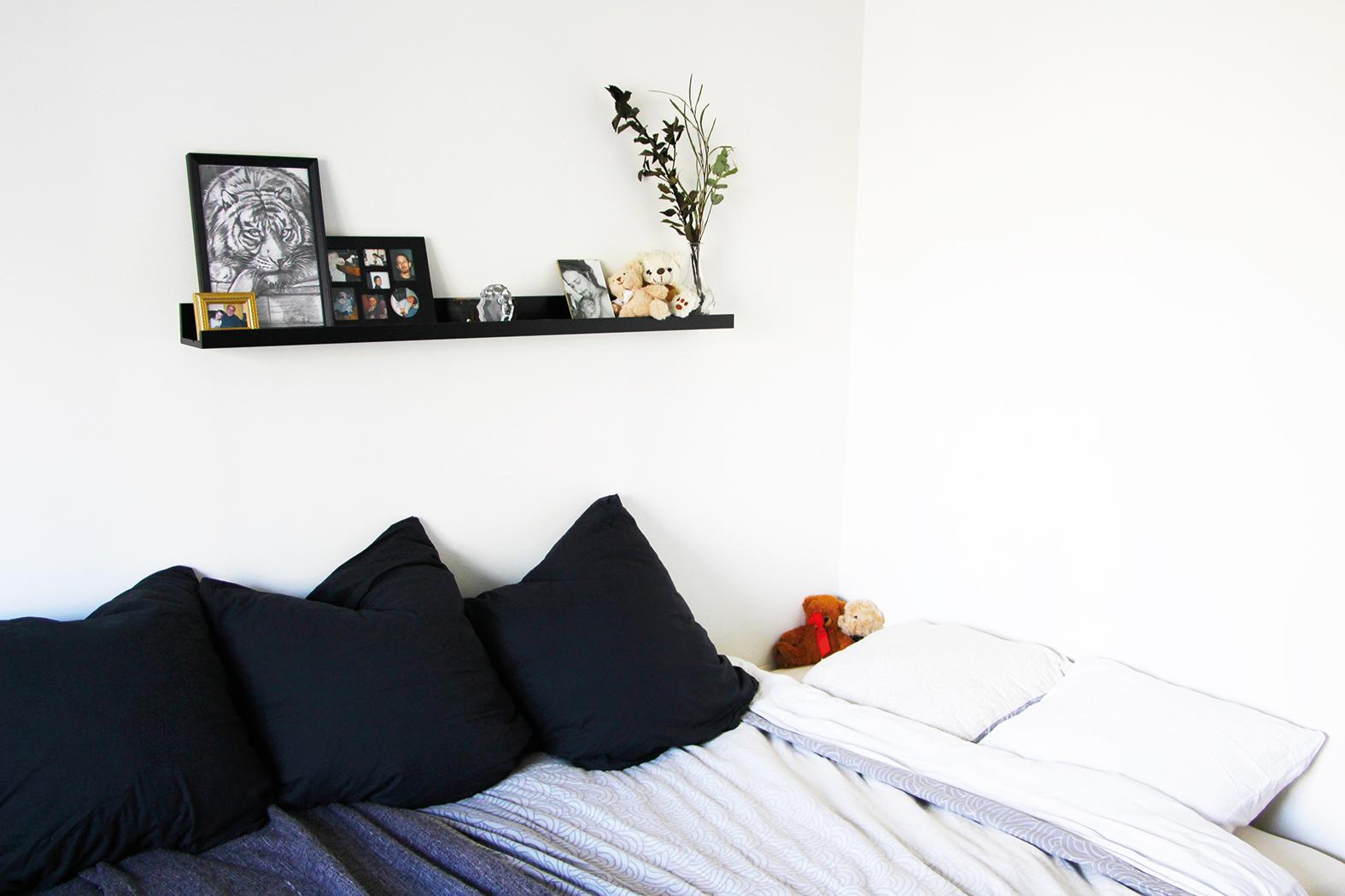 Att inreda kvadratsmart var något Embla snabbt lärde sig.  Sängen fungerar till exempel både som säng och soffa.