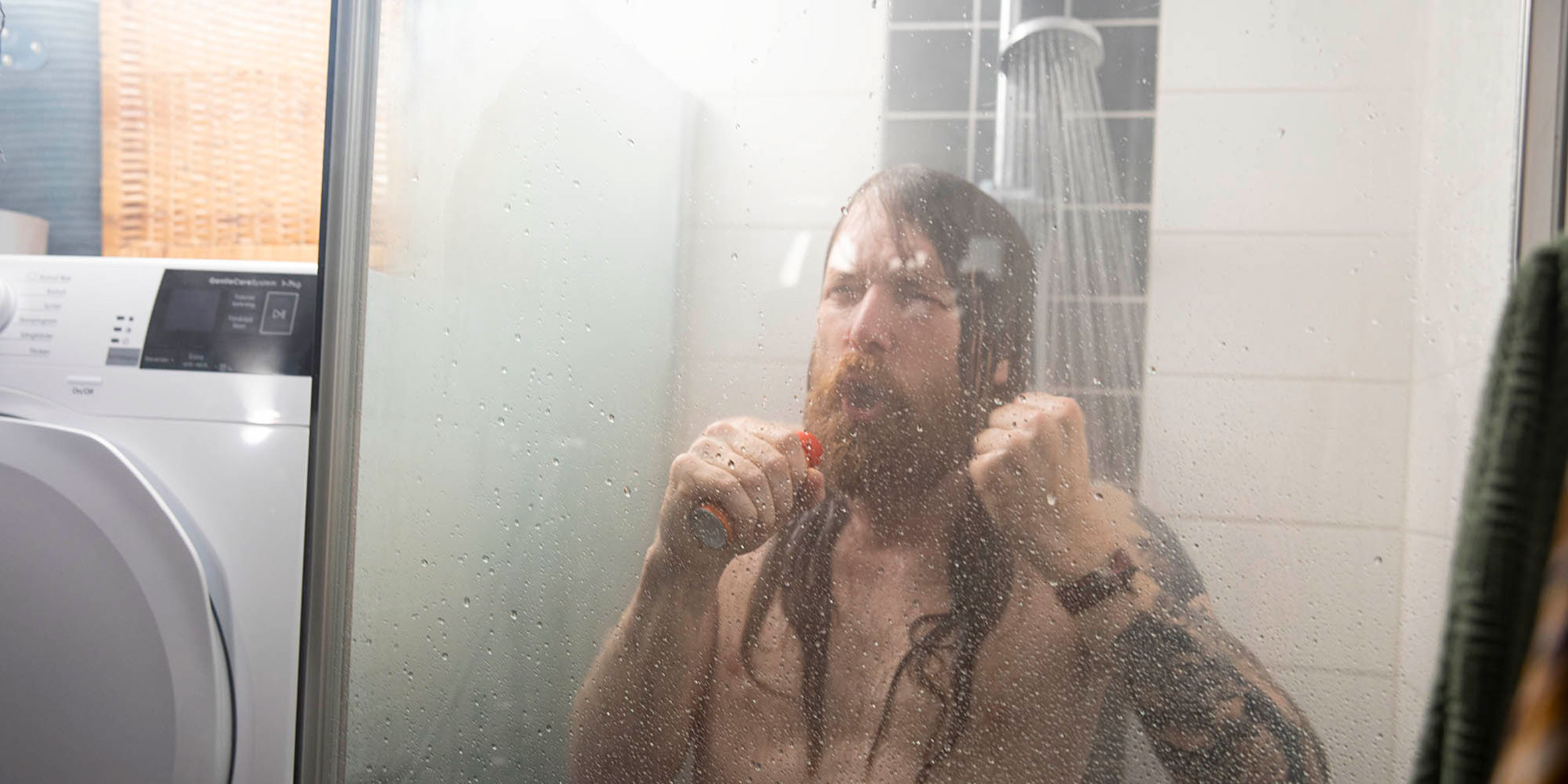 Om du minskar duschtiden med 5 minuter kan du spara så mycket som 60 liter vatten.
