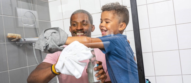 Få skinnende rene dusjdører